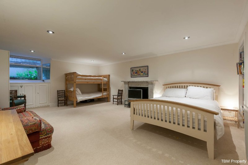 10b_bedroom